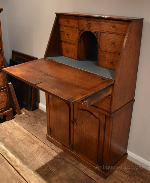 unusual upright oak bureau antiques atlas. Black Bedroom Furniture Sets. Home Design Ideas