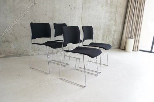 4 Iconic Howe 40/4 Chairs By David Rowland