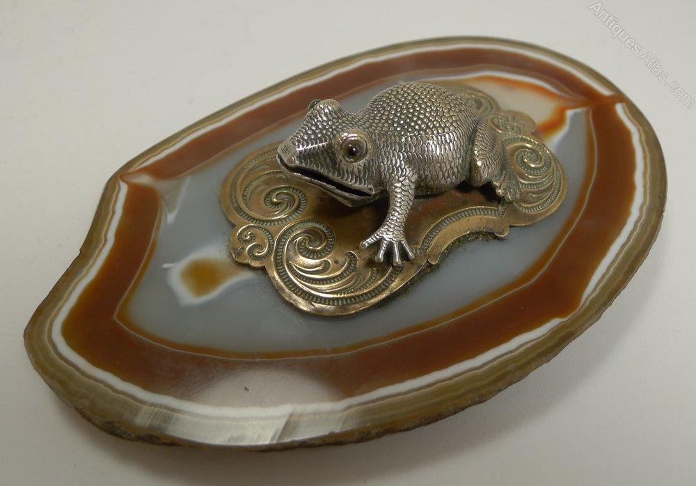 Antiques Atlas - Novelty Visiting Card Holder / Receiver - Frog