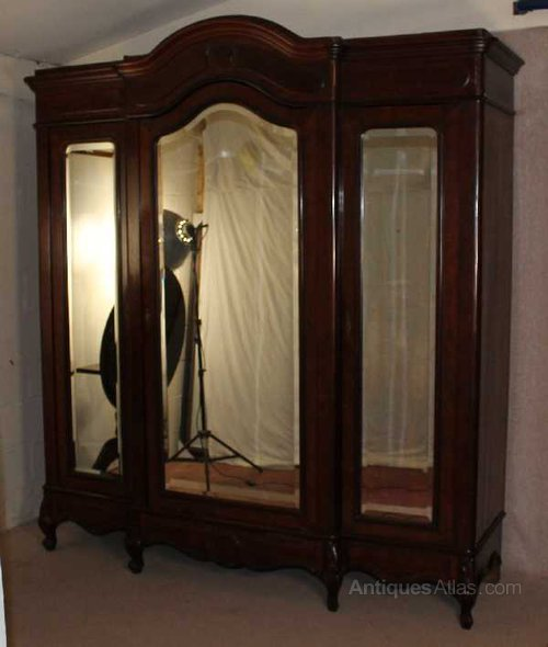 1900s Mahogany 3 Door Mirrored Armoire ...