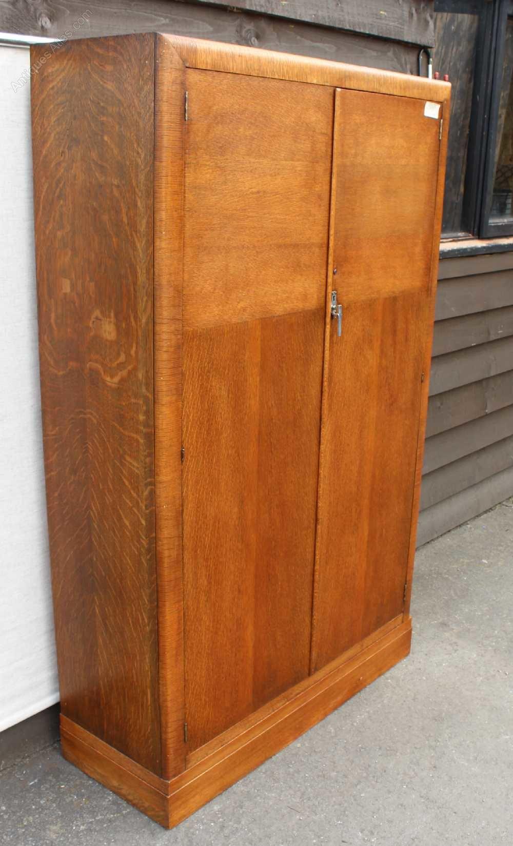 1930's Handsome Well Fitted Oak 2 Door Wardrobe