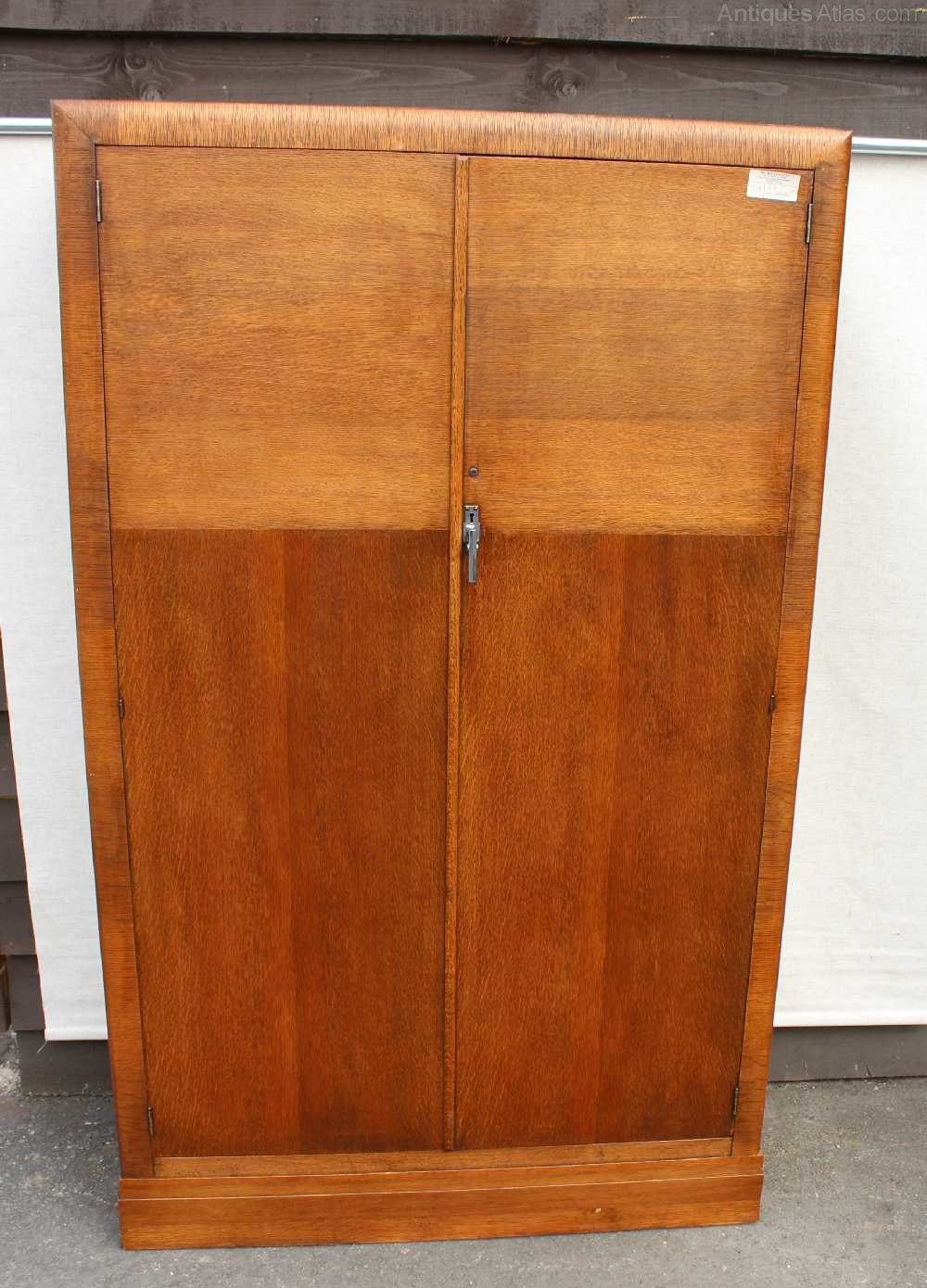 1930's Handsome Well Fitted Oak 2 Door Wardrobe