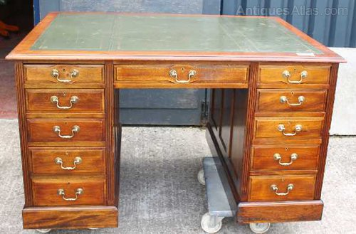 Solid Walnut Partners Desk, Green Leather top Antique Partners Desks - Solid Walnut Partners Desk, Green Leather Top - Antiques Atlas