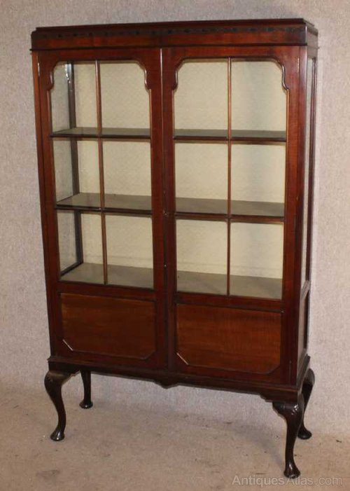 Tall Elegant 2 door Mahogany China Cabinet Antique Display Cabinets - Tall Elegant 2 Door Mahogany China Cabinet - Antiques Atlas