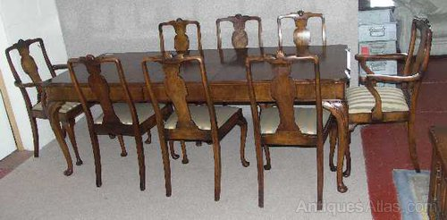 Walnut Queen Anne Dining Table And 8 Chairs