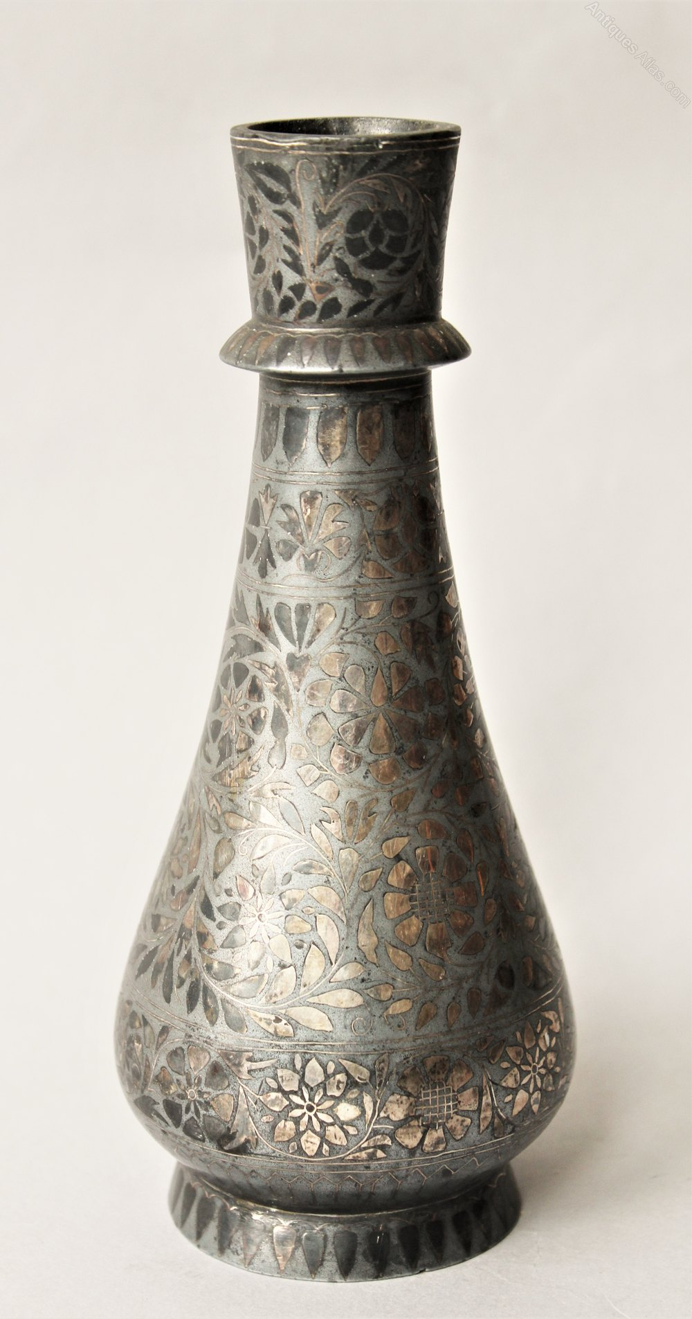 antiques atlas antique indian bidri vase silver inlay. Black Bedroom Furniture Sets. Home Design Ideas