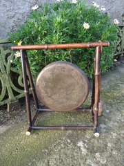 Aesthetic movement bamboo gong