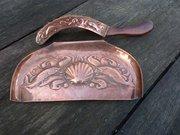 Arts & Crafts Newlyn crumb tray and brush
