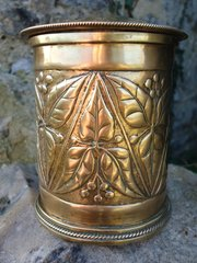 Arts & Crafts  Brass lidded jar with roped edge