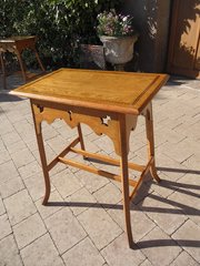 Arts & Crafts oak lamp table with inlay