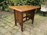 Arts & Crafts pegged oak table