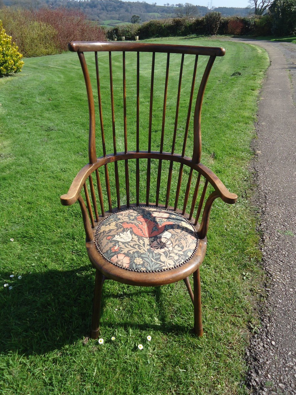Arts & Crafts Spindle Back Chair For Liberty - Antiques Atlas