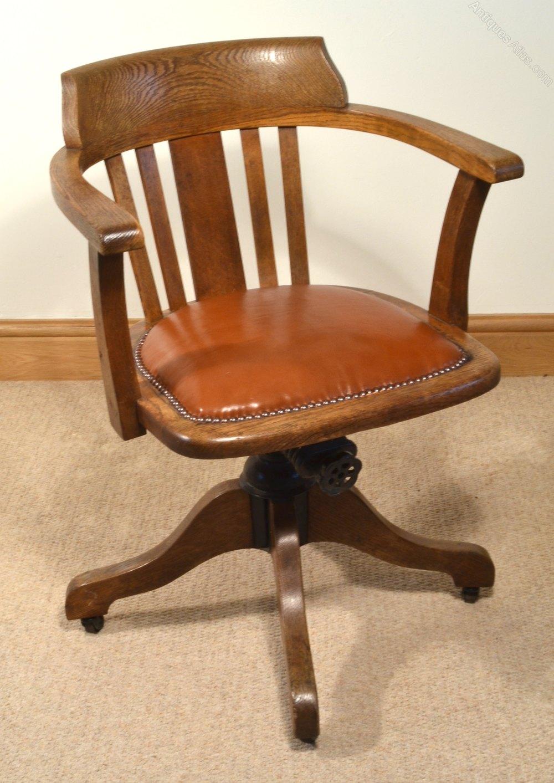 1930s Oak Swivel Chair
