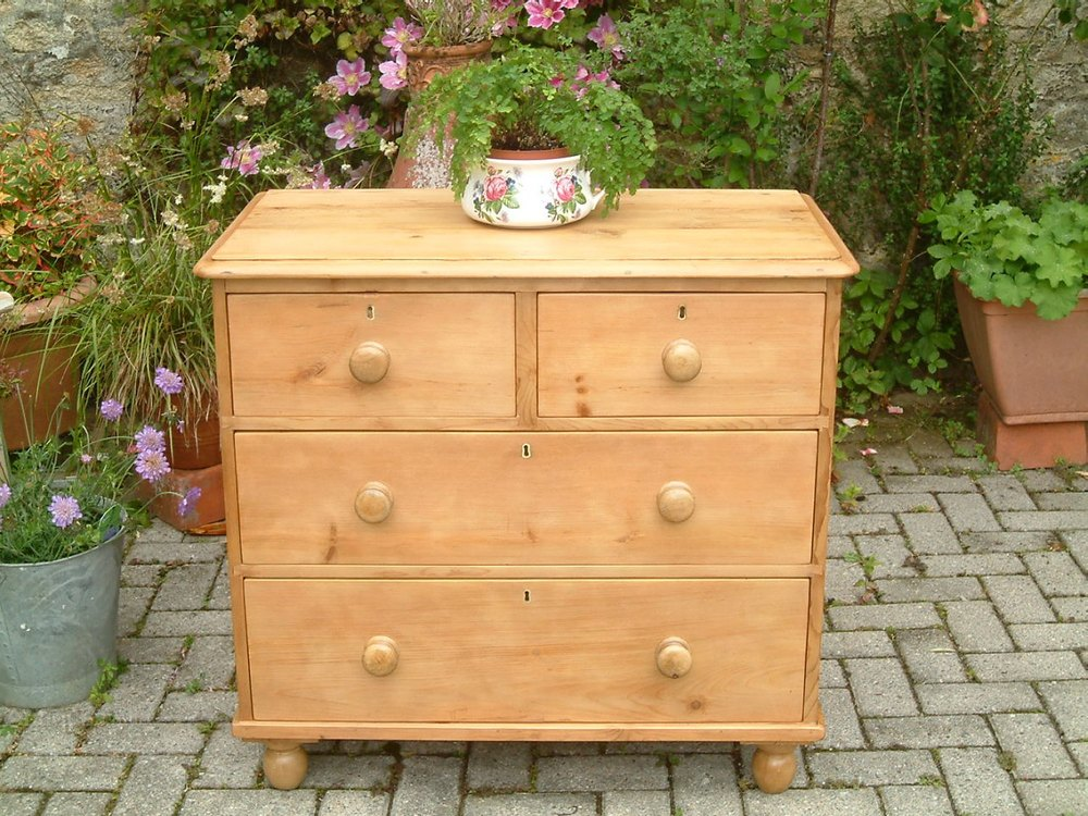 sneakers for cheap 30628 a9af5 A Victorian Pine Chest Of Drawers