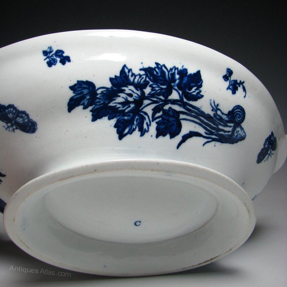 Antiques Atlas Caughley Porcelain Pine Cone Pattern