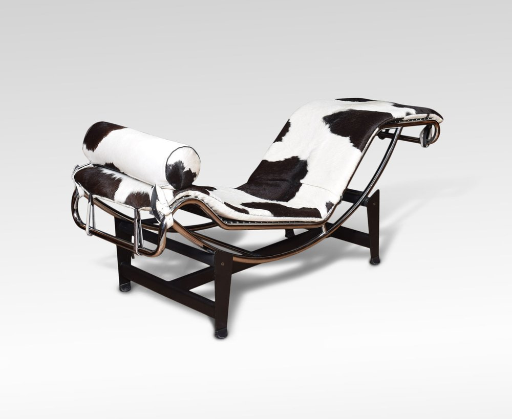 Charles le corbusier inspired lc4 black and white for Chaise longue b306