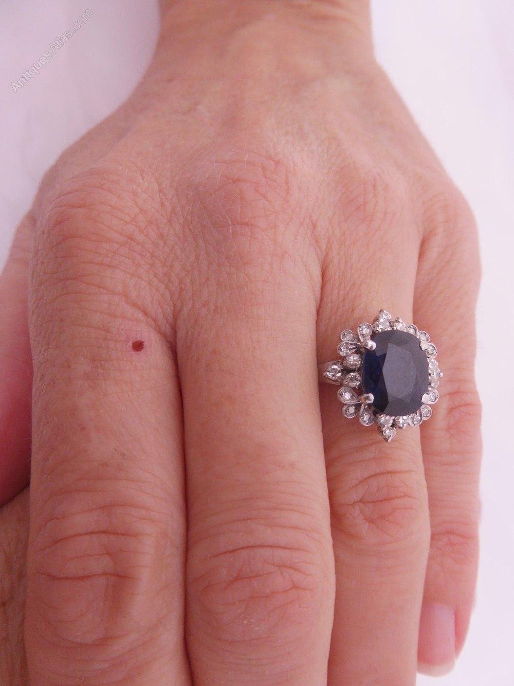 Antiques Atlas - 18ct White Gold 2.5ct Sapphire & Diamond Ring