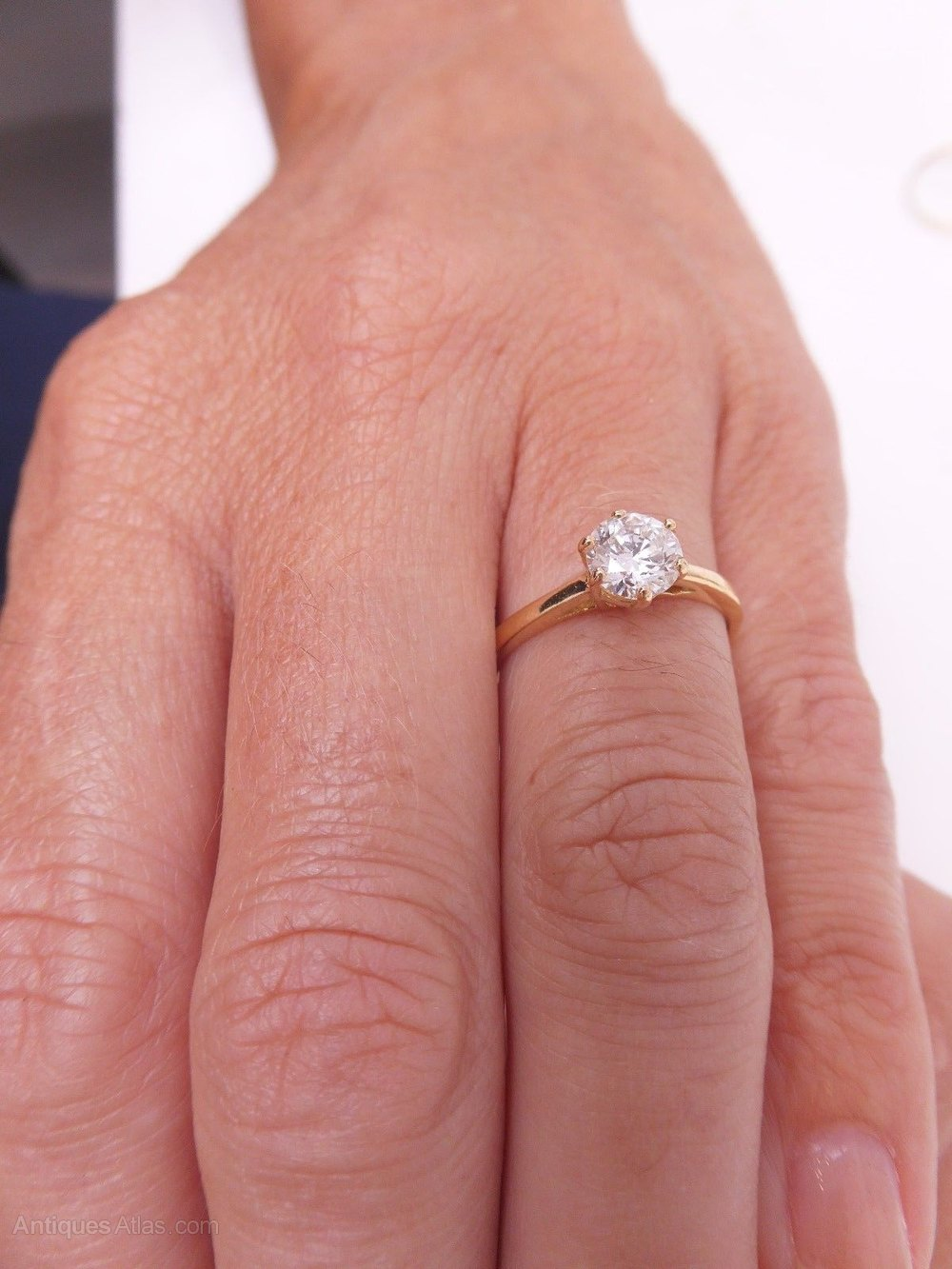Antiques Atlas - Stunning 18ct Gold 0.8ct Diamond Solitaire Ring