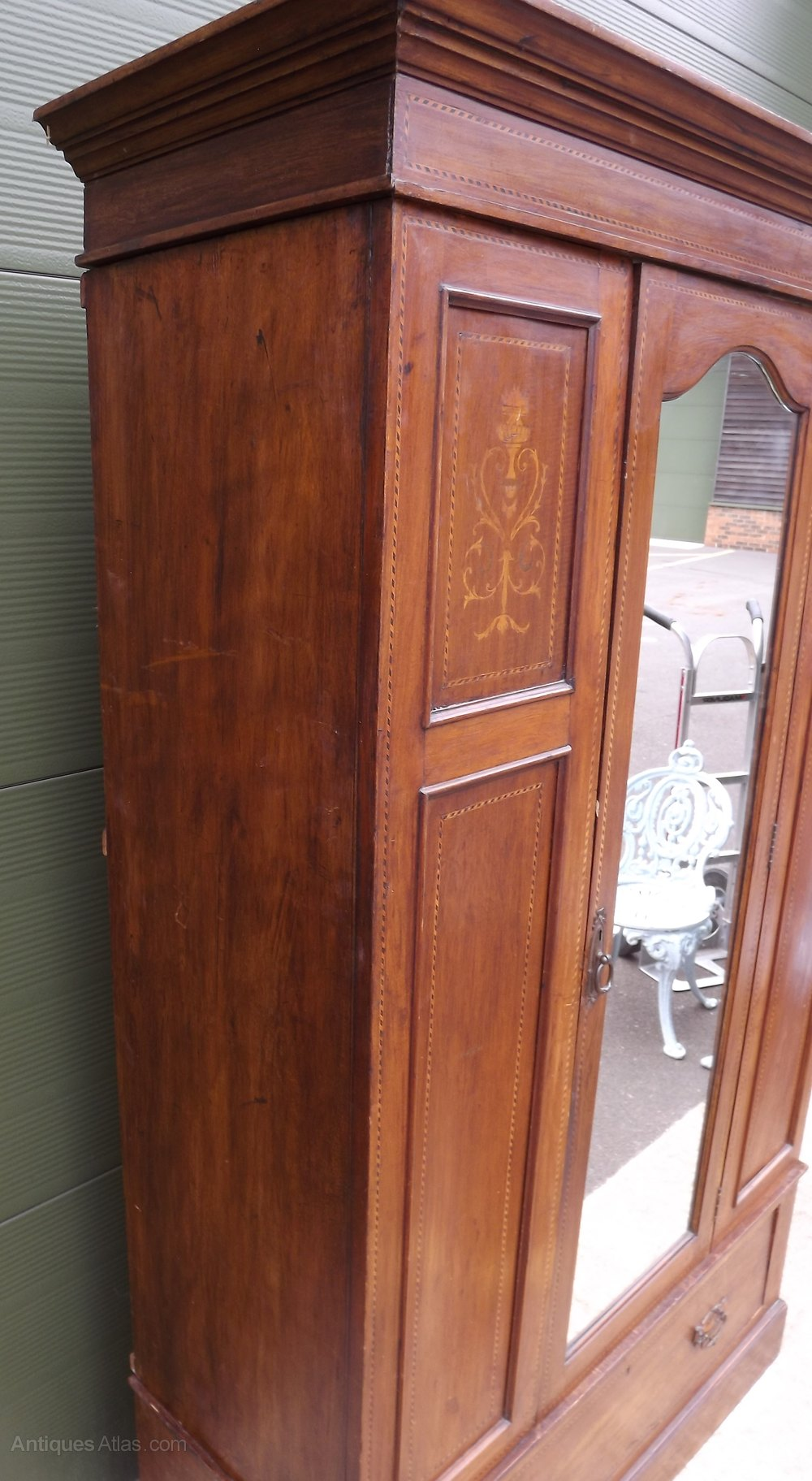 Edwardian Inlaid Mahogany Mirrored Door Wardrobe