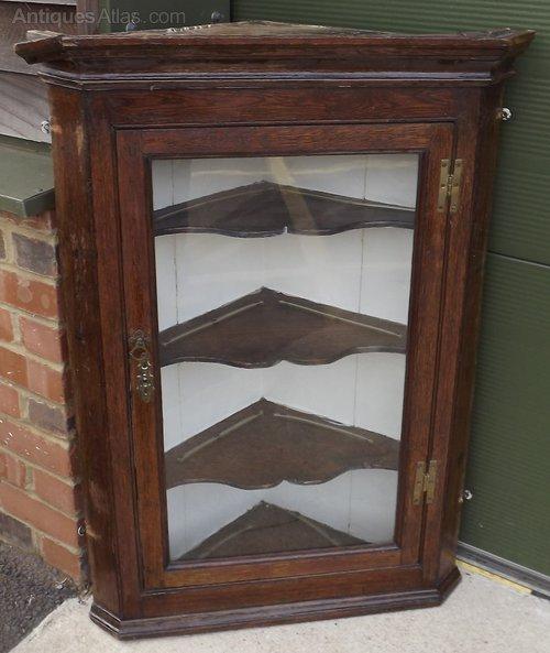 Georgian Oak Wall Hanging Corner Cabinet