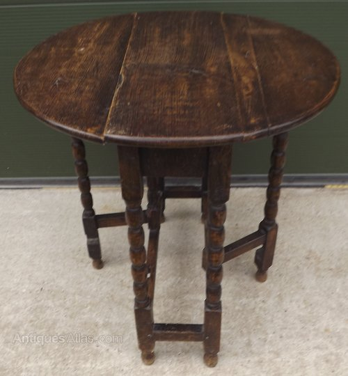 Small Victorian Oak Drop Leaf Table