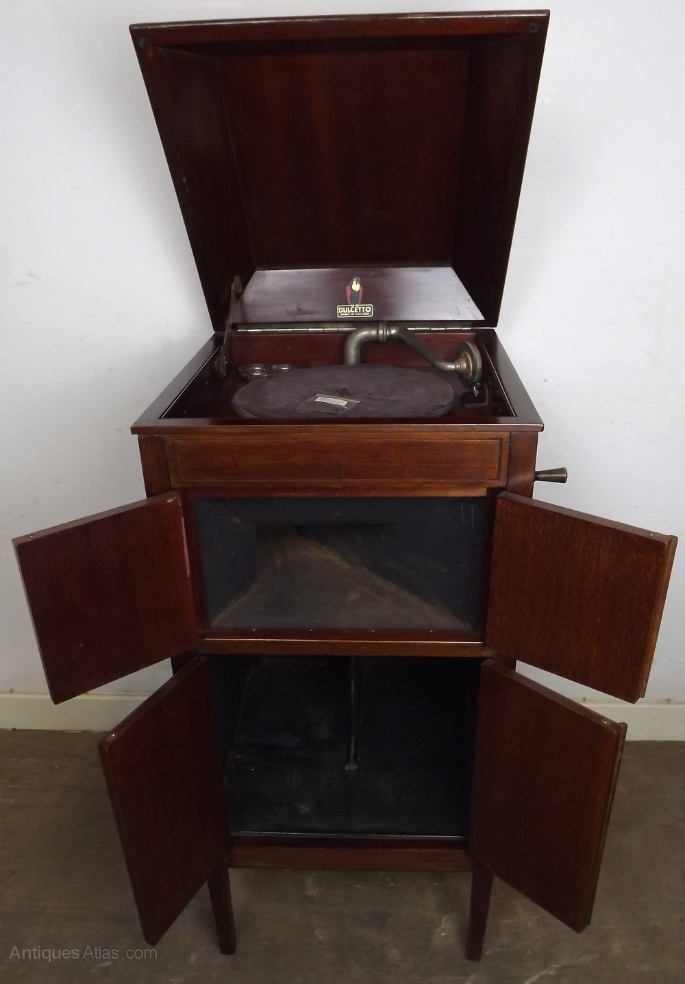 Vintage Dulcetto Mahogany-Cased Cabinet Gramophone Antique Gramophones ... - Antiques Atlas - Vintage Dulcetto Mahogany-Cased Cabinet Gramophone
