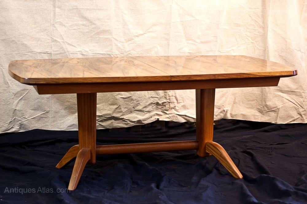 Antiques Atlas Gordon Russel Rosewood Dining Table : GordonRusselrosewooddiningas604a189z from antiquesatlas.com size 1000 x 667 jpeg 113kB