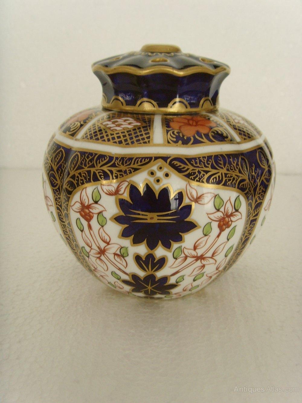Antiques atlas royal crown derby old imari pot pourri vase 1905 royal crown derby old imari pot pourri vase 1905 reviewsmspy