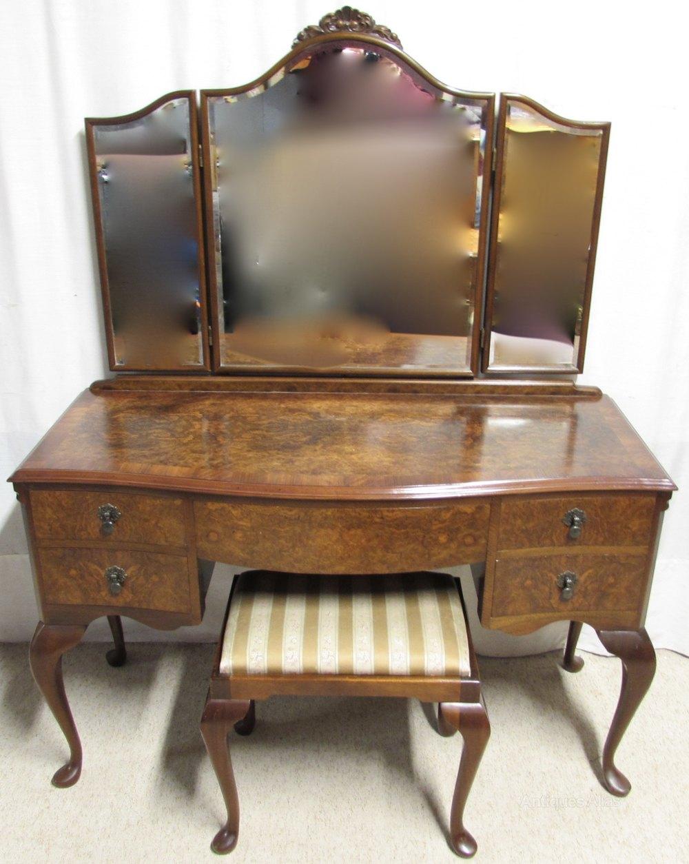 Burr walnut dressing table stool antiques atlas for Walnut dressing table