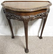 Genial ... Antiques And Interiors Pretty Burr Walnut Lamp Table