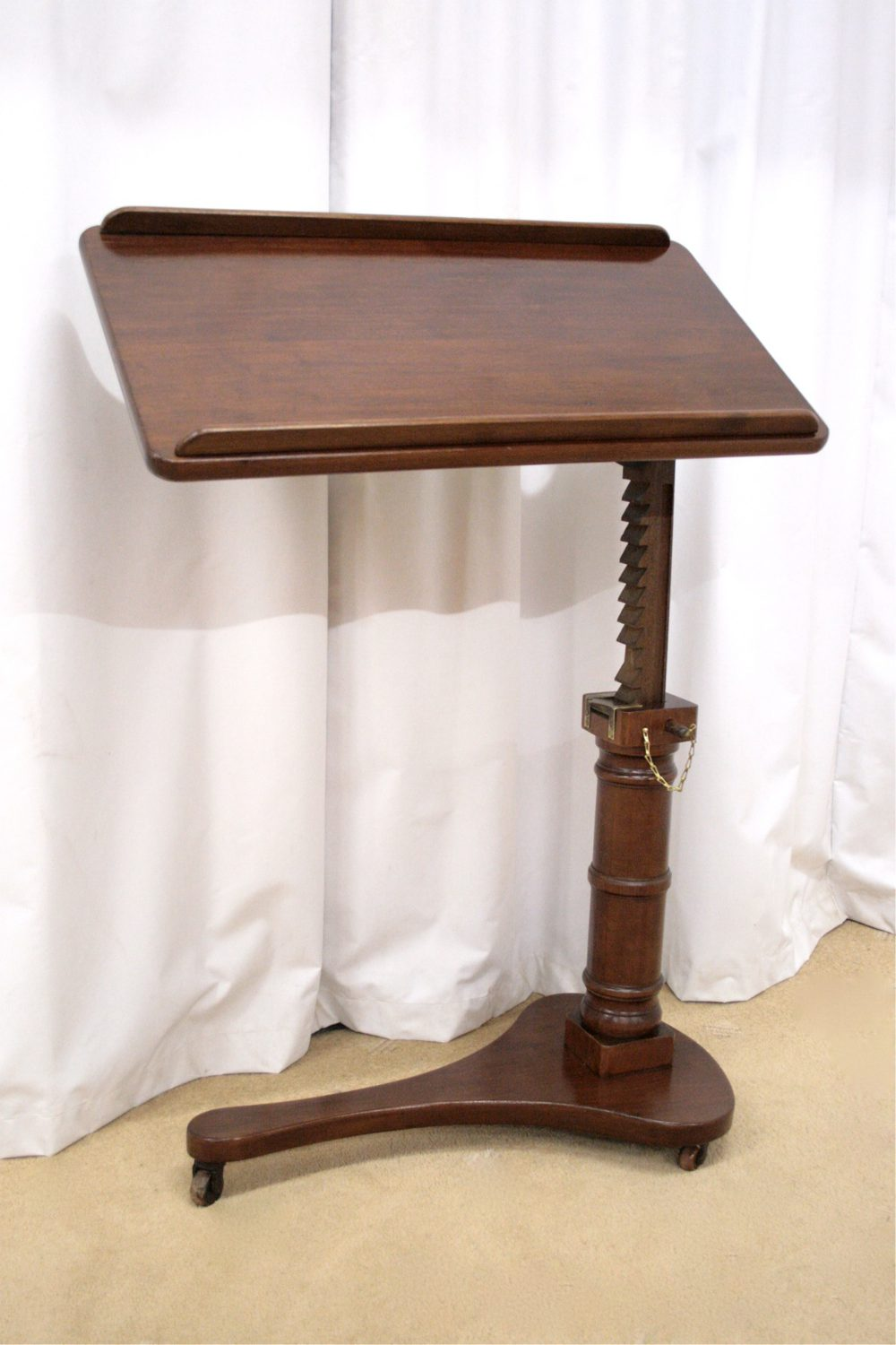 Etonnant Victorian Reading Table Antique Reading Tables Adjustable Antique Casters