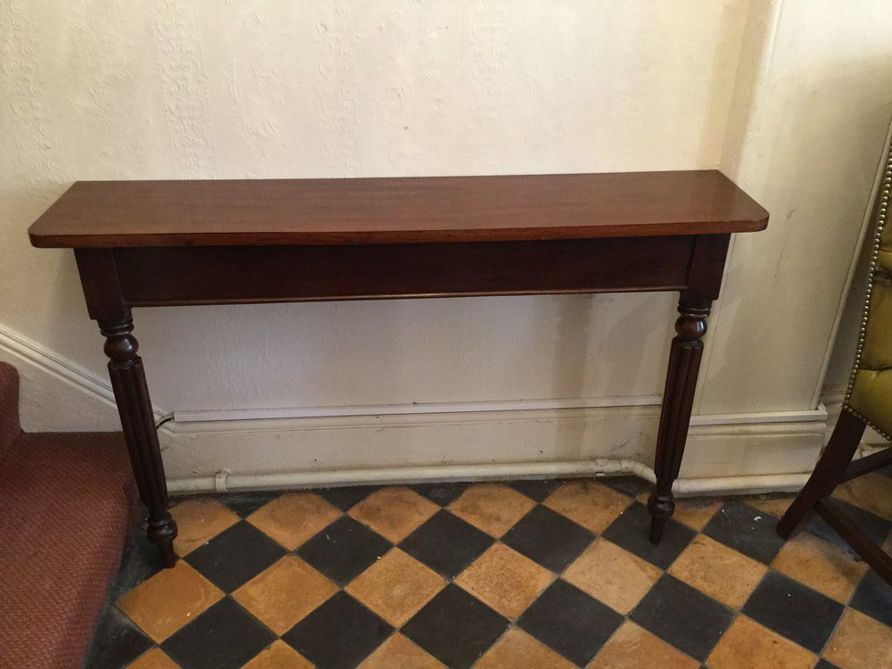 Merveilleux Slim Hall Table Or Console Table Antique Console Tables ...