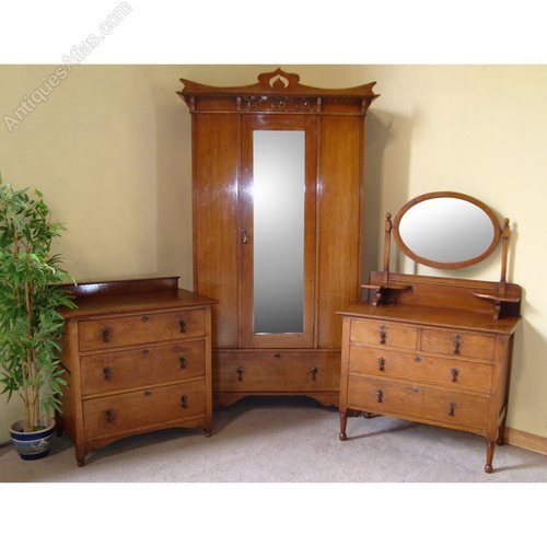 Arts & Crafts Scottish Oak Bedroom Suite - Antiques Atlas