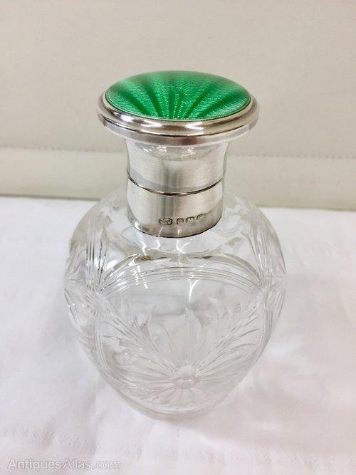 Scent Bottle in Antique Sterling Silver