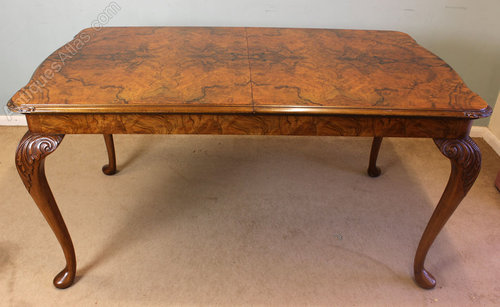 antique walnut dining table Antique Queen Anne Style Burr Walnut Dining Table   Antiques Atlas antique walnut dining table