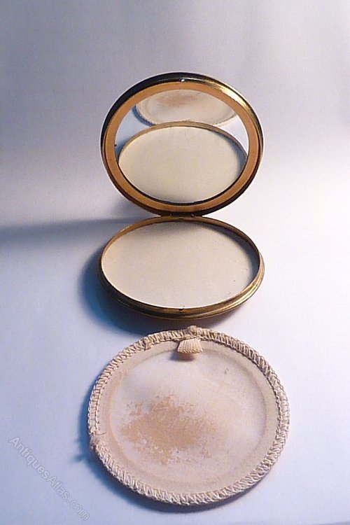 Antiques Atlas Rare Queen Elizabeth Ii Powder Compact 1950s