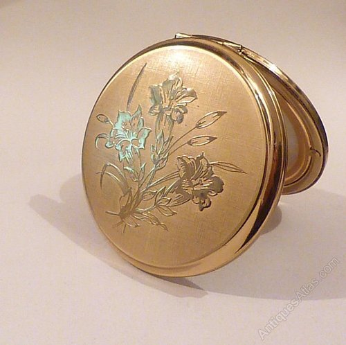Antiques Atlas Vintage Stratton Powder Compacts