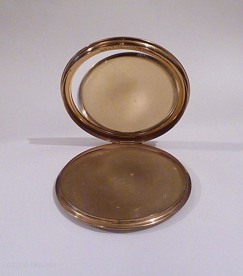 Antiques Atlas Vintage Gifts For Women 1940s Powder Compact