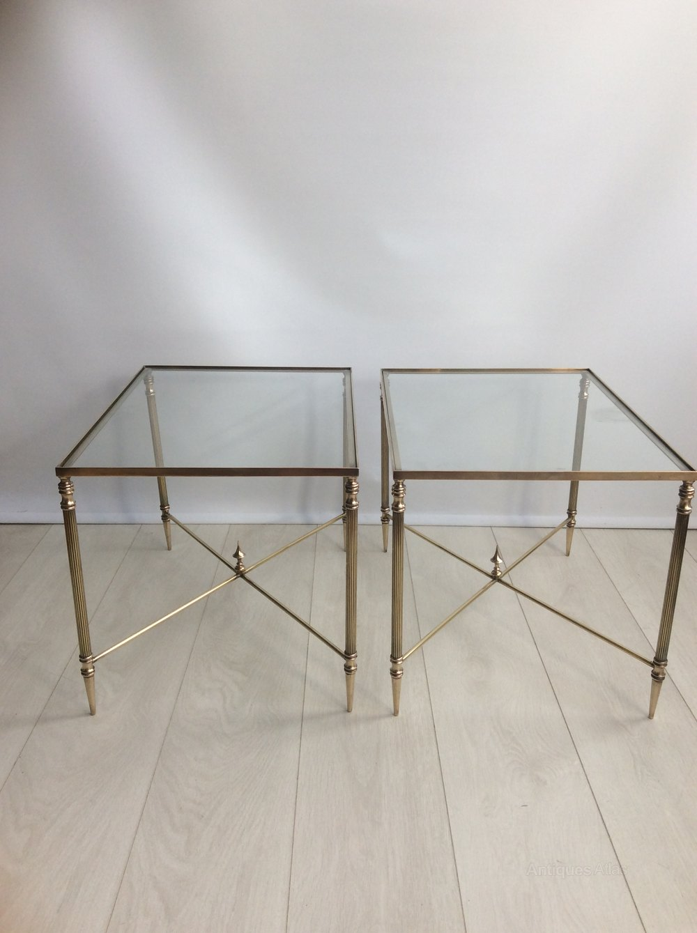 Charmant A Pair French Brass Side Tables Vintage And Retro Side Tables ...