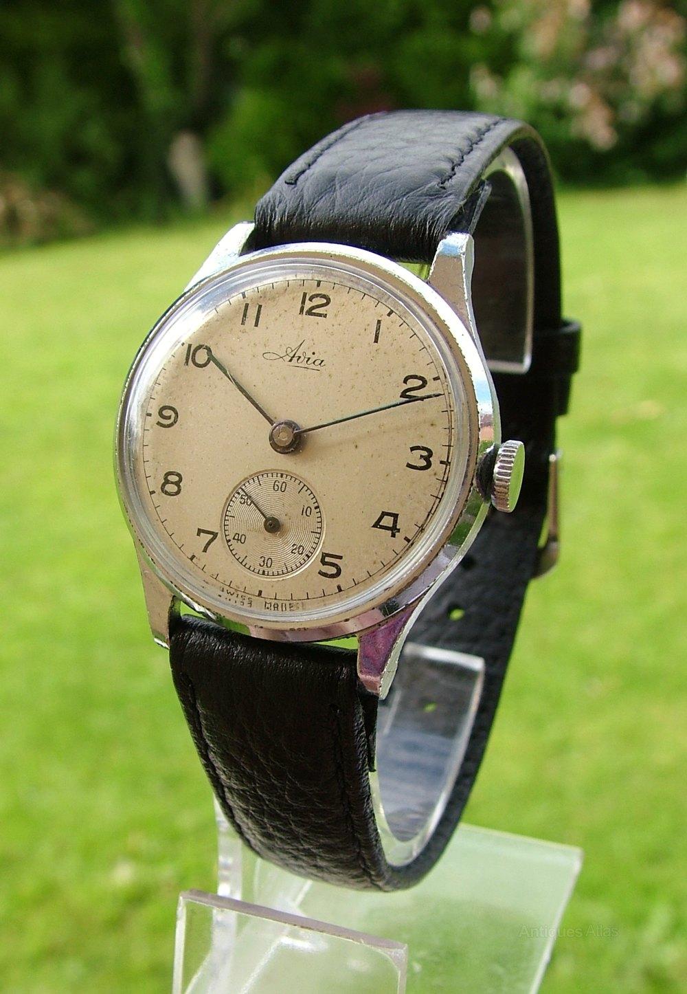 Antiques Atlas - A 1960s Mid-size Roamer Vanguard Wrist Watch