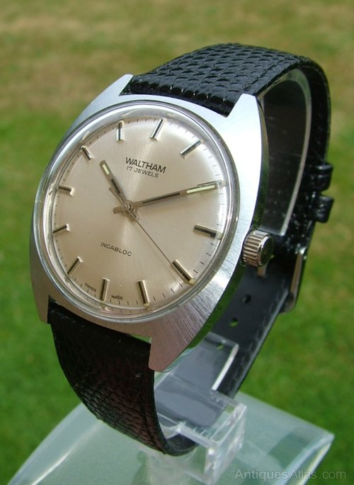 70116213ba9 Vintage 1960s gents Waltham wrist watch ... Vintage Waltham 17 Jewels Day  Date Automatic Watch