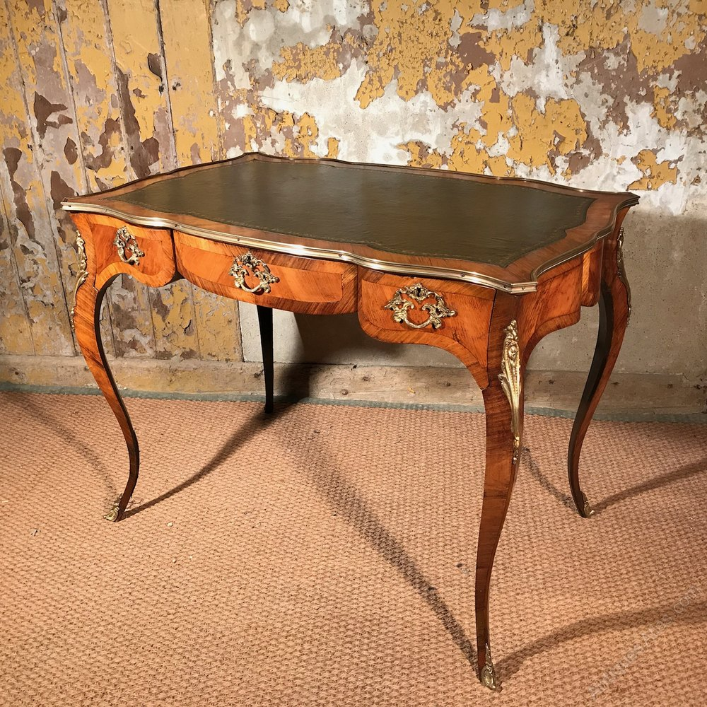 French kingwood bureau plat or dressing table antiques atlas for Bureau table