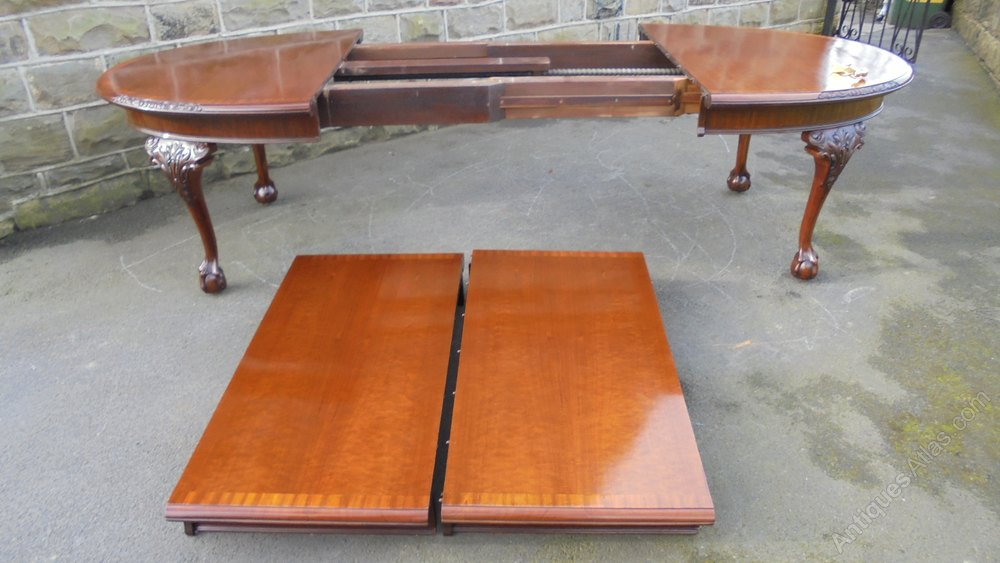Quality mahogany extending wind out dining table for 12 person dining table for sale
