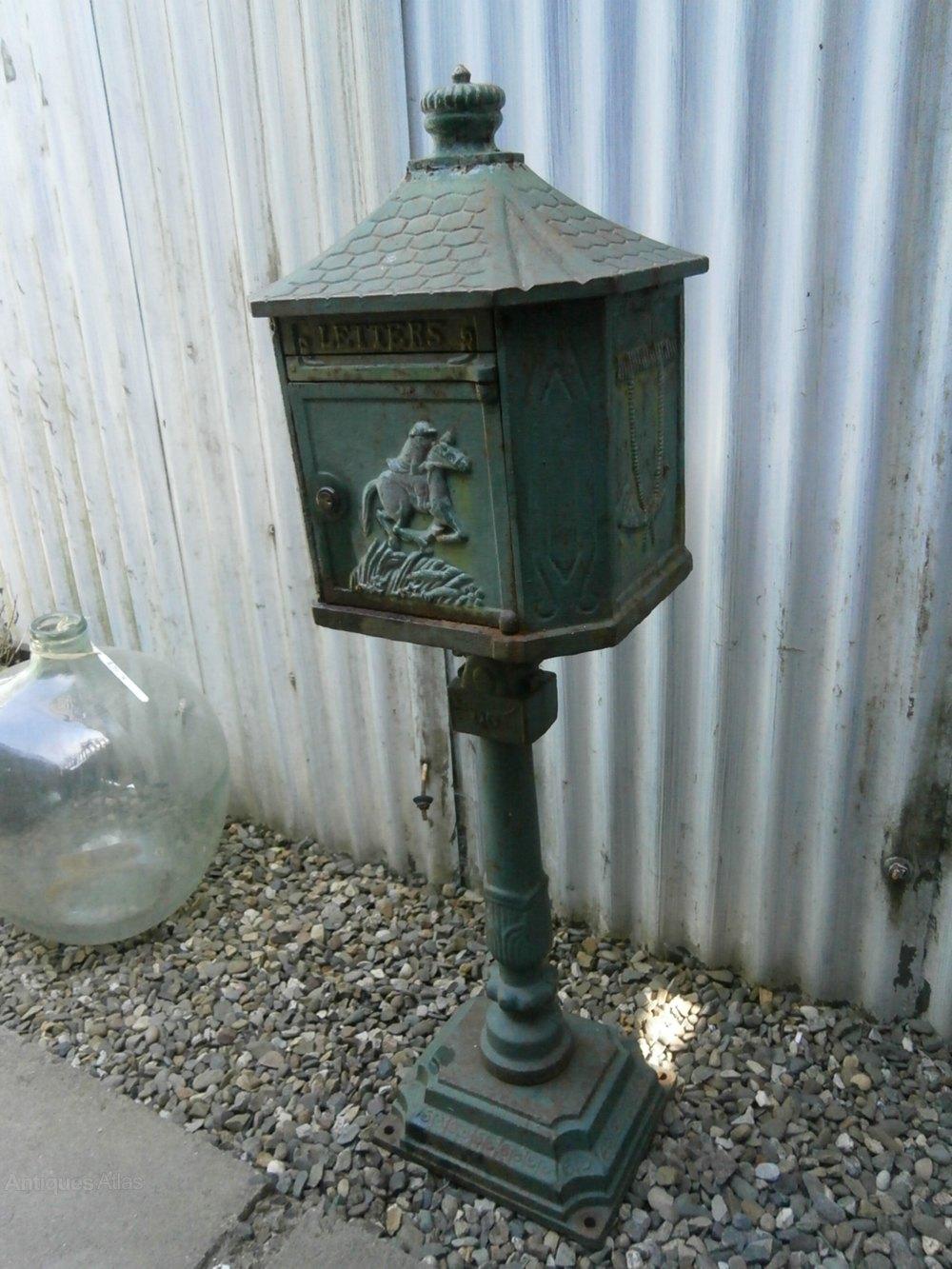 Cast Iron Paint >> Antiques Atlas - Cast Iron Letter Box
