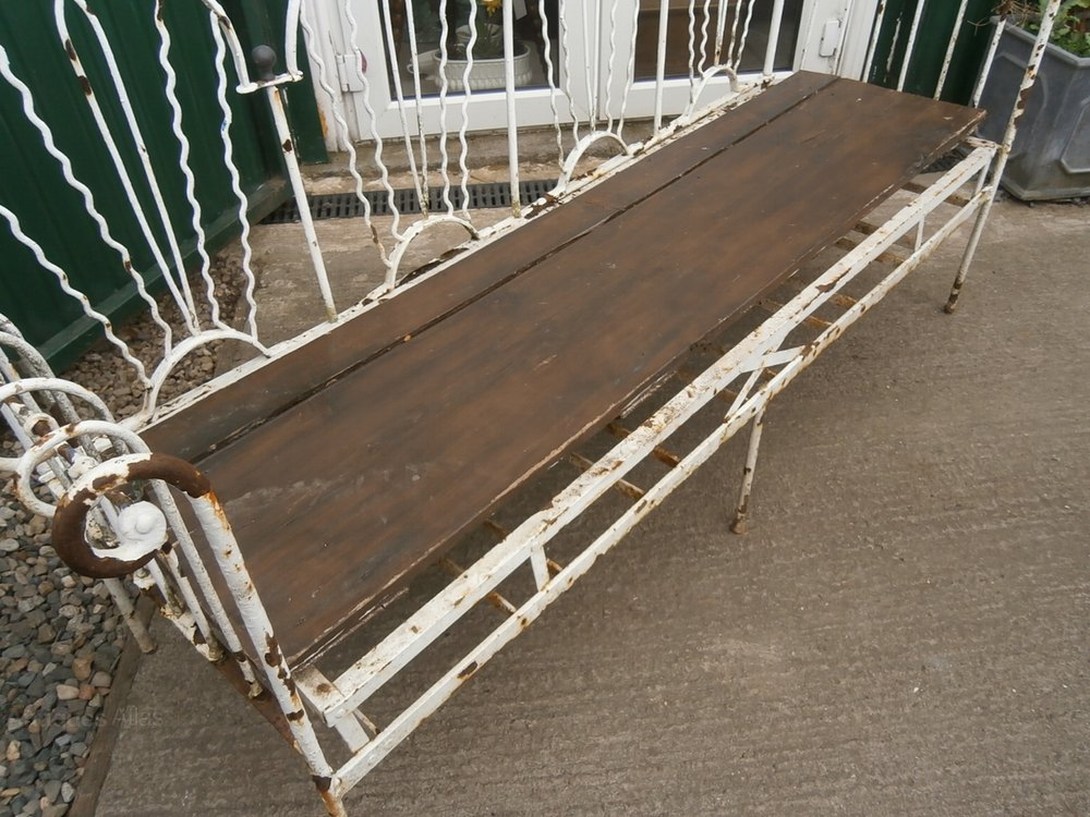 Awe Inspiring Antiques Atlas Ornate French Daybed Sofa Now Garden Bench Evergreenethics Interior Chair Design Evergreenethicsorg