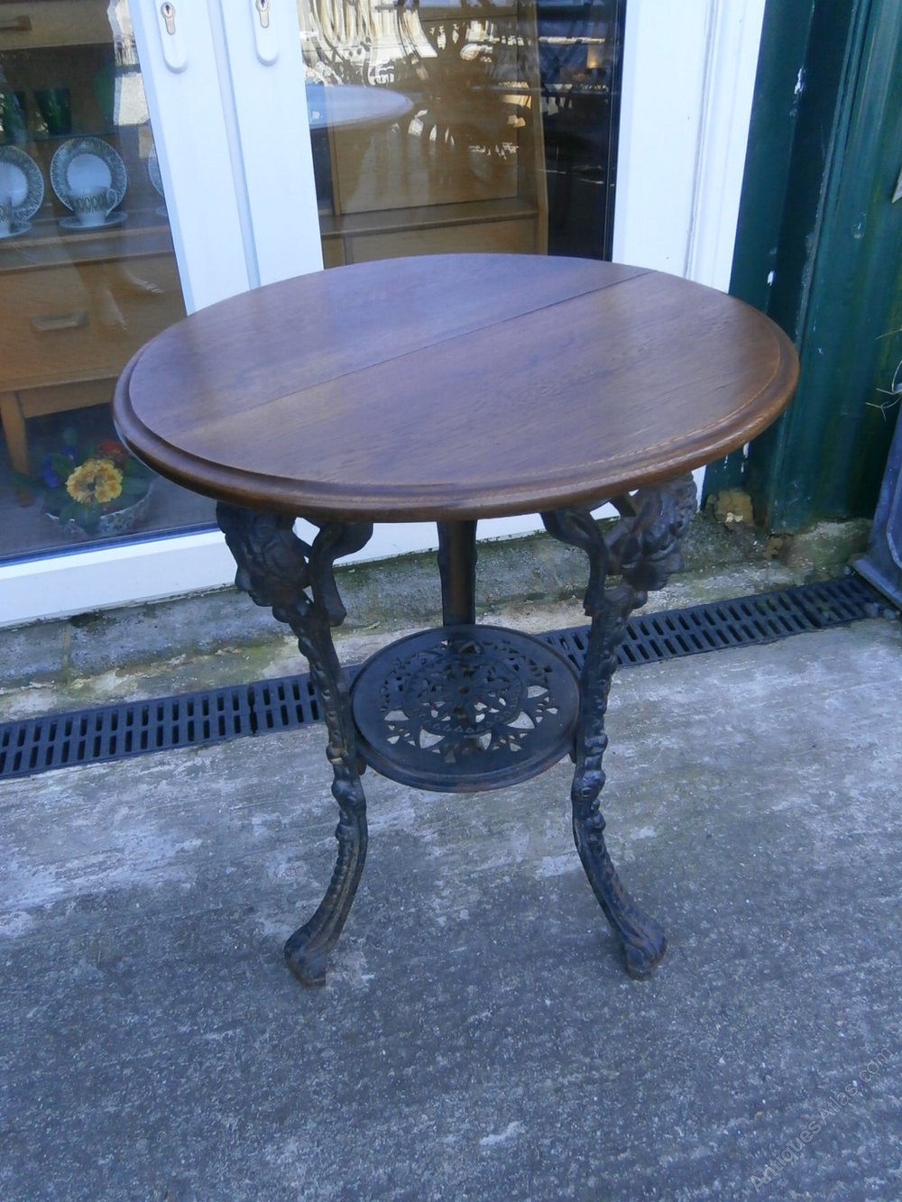 Victorian Round Top Cast Iron Pub Table Antiques Atlas