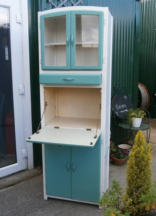 Antiques Atlas - Vintage 1960's Kitchen Larder Cupboard