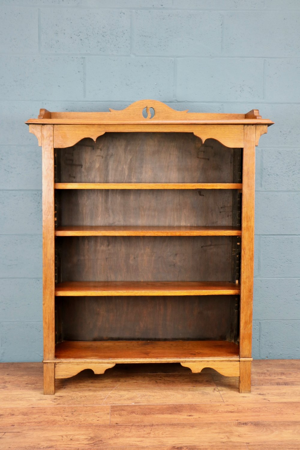 Arts and crafts oak bookcase wylie lochhead antiques for Arts and crafts bookcase