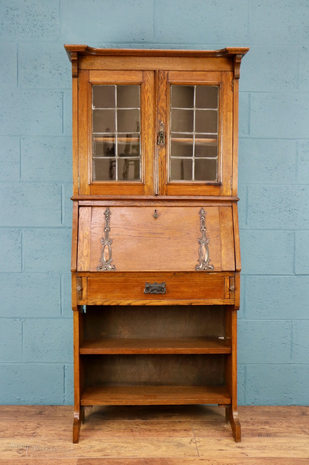 Arts and crafts bureau bookcase antiques atlas for Arts and crafts bookcase