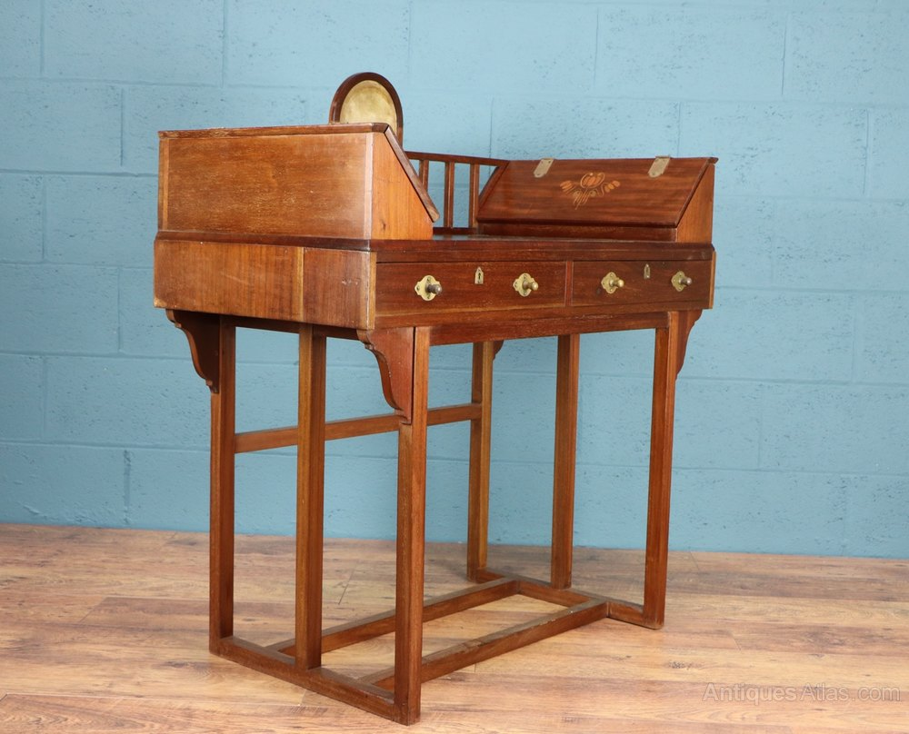 Arts and crafts mahogany desk antiques atlas for Crafting desks for sale